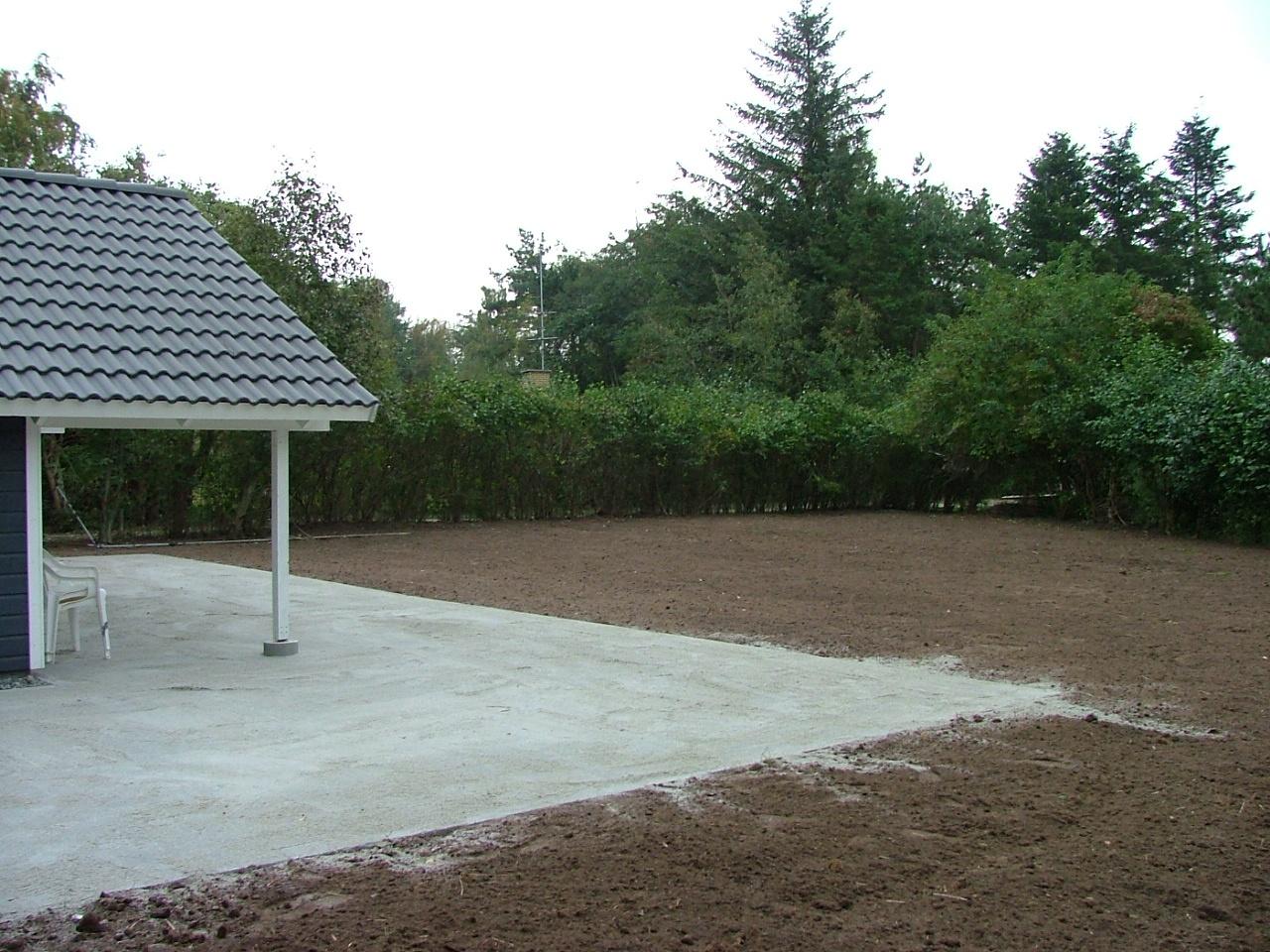 Ny belægning om hus, samt grubning, fræsning, og planering af have